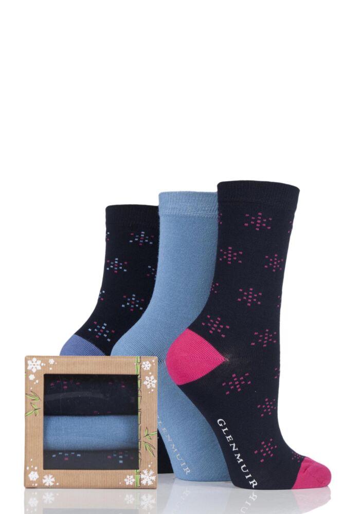 Ladies 3 Pair Glenmuir Snowflake Bamboo Socks In Bamboo Gift Box