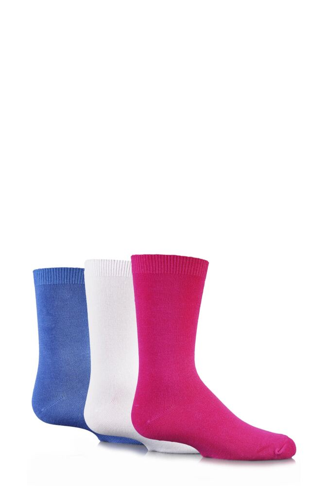 Girls 3 Pair SockShop Plain Bamboo Socks with Handlinked Toe Seams In Pink, White and Denim