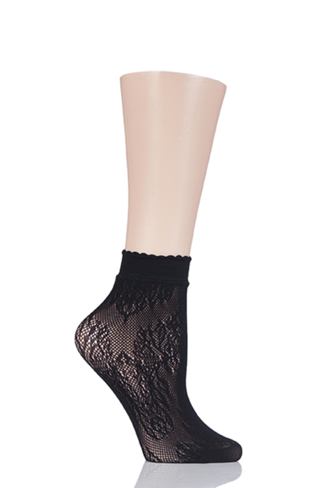 1 Pair Elle Fishnet Socks Scalloped Top