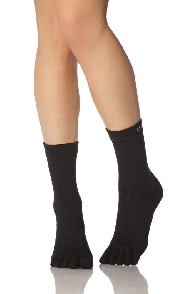 Mens and Ladies 1 Pair ToeSox Lightweight Full Toe Crew Sports Socks In Black