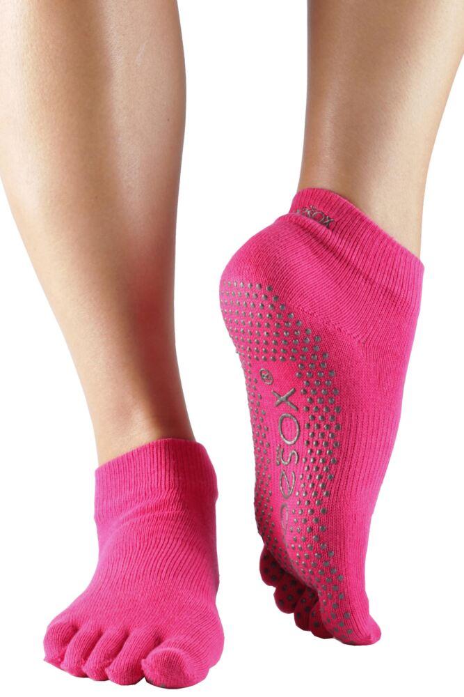 Ladies 1 Pair ToeSox Full Toe Organic Cotton Ankle Yoga Socks In Fuchsia