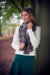 Mens and Ladies Great & British Knitwear Made In Scotland Check 100% Cashmere Scarf Leading Image