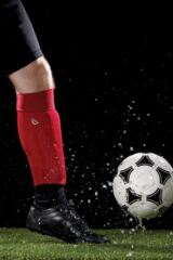 Mens and Ladies 1 Pair Sealskinz Football Socks Leading Image