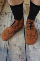 Mens and Ladies 1 Pair Ginger Fox Brogues Novelty Cotton Socks Leading Image