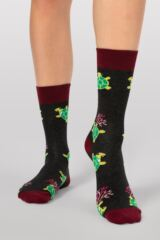 Mens and Ladies 1 Pair Moustard Sea Life Collection Sea Turtle Cotton Socks Leading Image