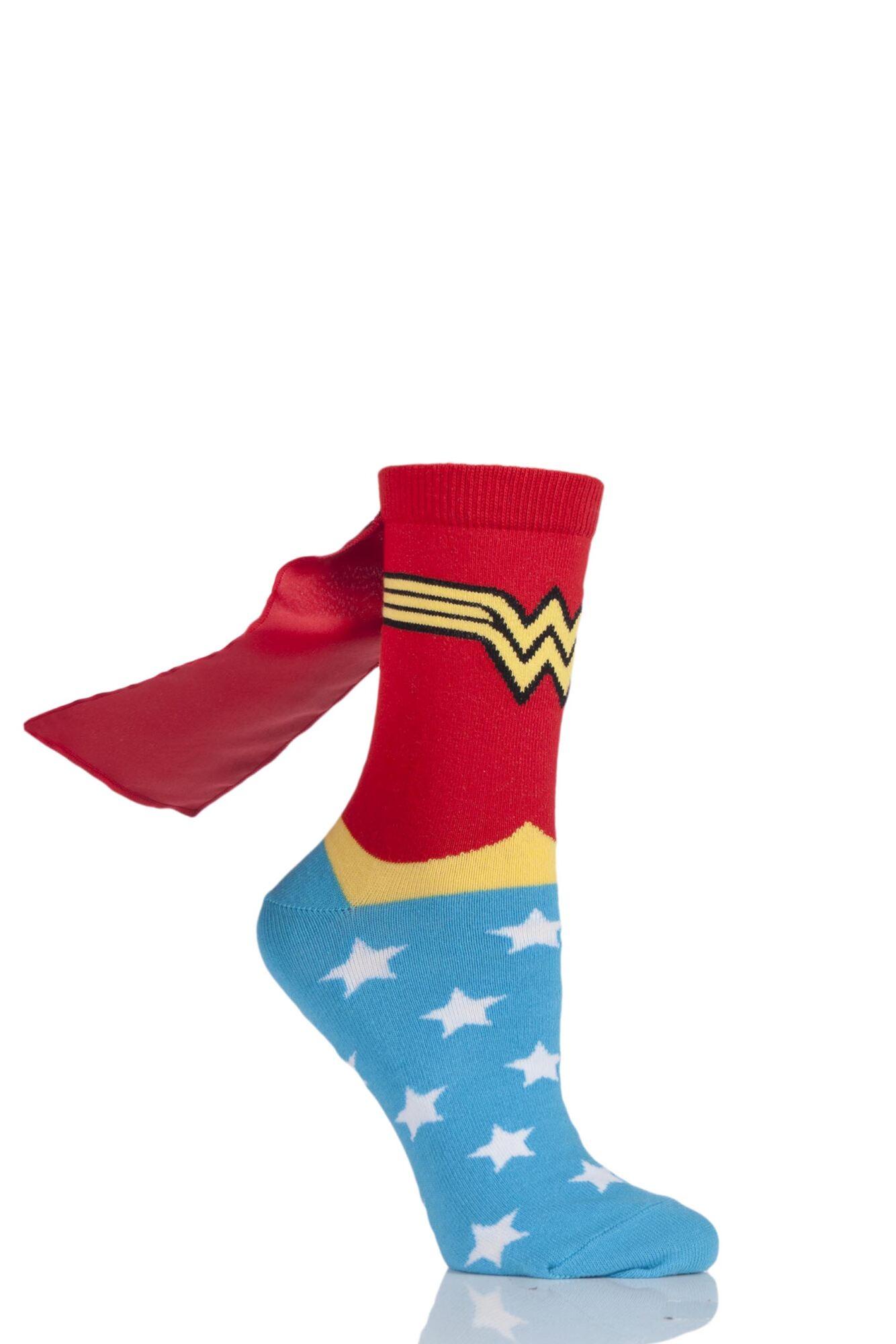 1 Pair DC Comics Wonder Woman Cape Socks Ladies - Film & TV Characters