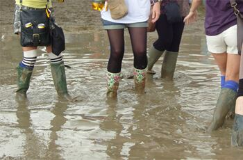 5 ways to wear your wellies