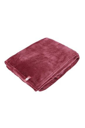 SockShop Heat Holders Snuggle Up Thermal Blanket In Cherry Cherry 180 x 200cm