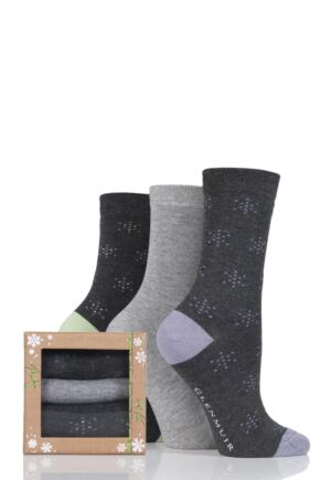 Ladies 3 Pair Glenmuir Snowflake Bamboo Socks In Bamboo Gift Box Grey 4-8 Ladies