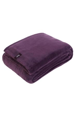 SockShop Heat Holders Snuggle Up Thermal Blanket In Mulled Wine