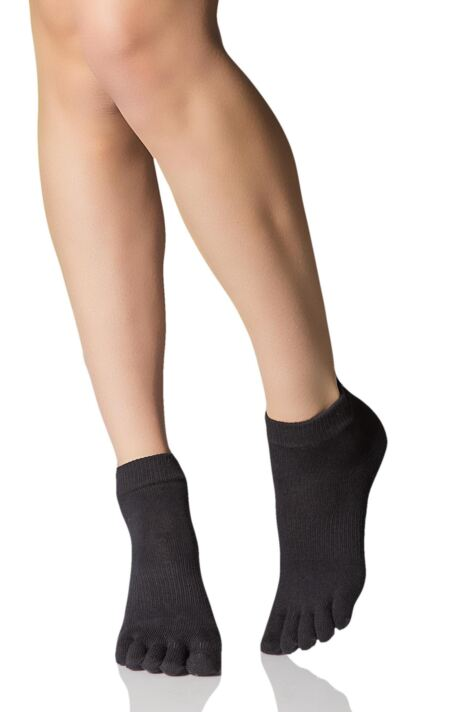 Mens and Ladies 1 Pair ToeSox Full Toe Organic Cotton Ankle Yoga Socks In Black Product Image