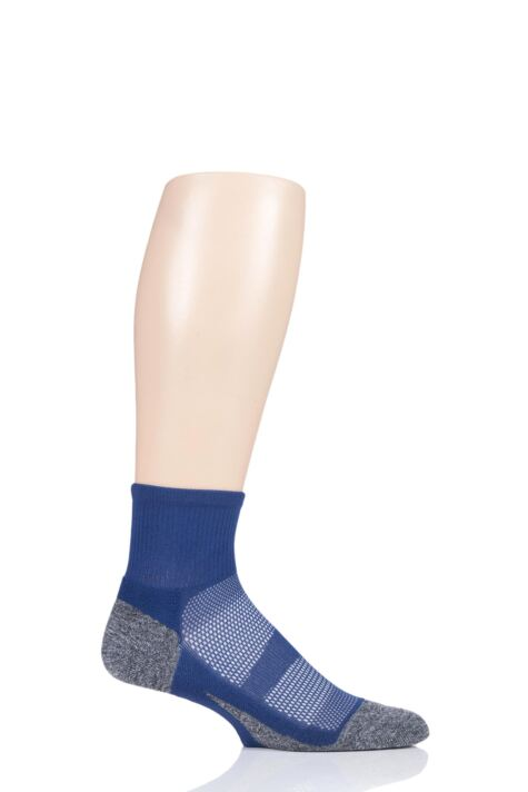 Mens and Ladies 1 Pair Feetures Elite Light Cushion Quarter Socks Product Image