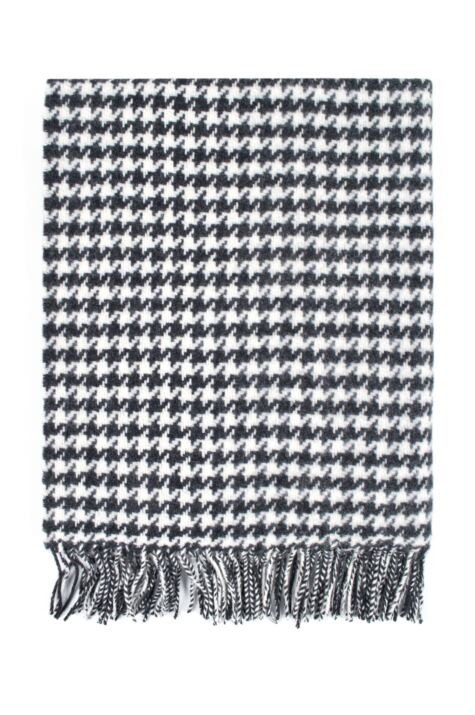 Ladies Great & British Knitwear Made In Scotland 100% Pure New Wool Houndstooth Pattern Wrap Product Image