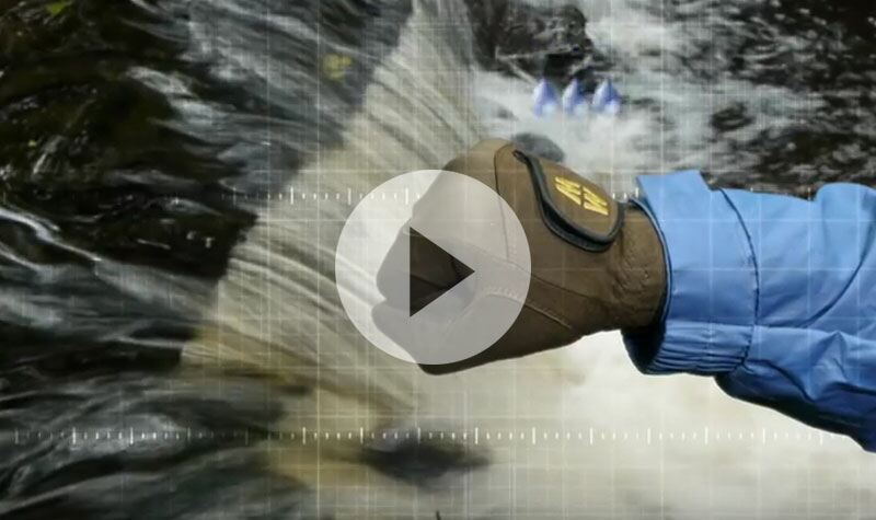 See MacWet Gloves In Action - available at SockShop