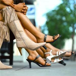 Fashion continues 80s legwear focus