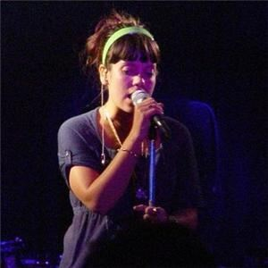 Lily Allen combines stockings and tights in single offering