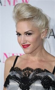 Gwen Stefani casts no doubts over her fashionable legwear taste