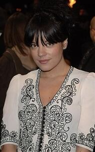 Lily Allen looks great in tights... again