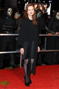 Celebs don tights for Potter premiere