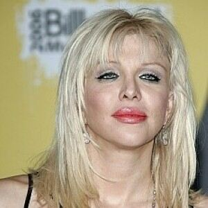 Courtney Love wears ripped tights for latest Twitter stunt