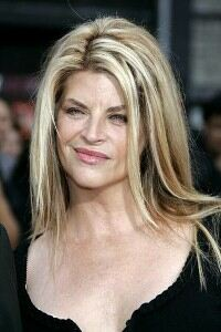 Kirstie Alley parties in leggings