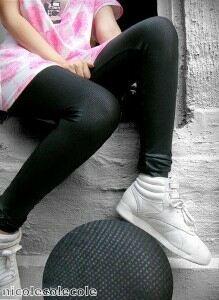 Lauren Goodger spotted in eye-catching leggings