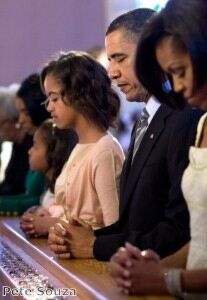 Obamas head to church in opaque tights