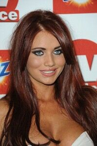 Amy Childs goes back to black in leggings