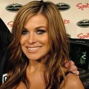 Carmen Electra booed in leather leggings