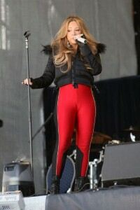Mariah Carey left over-exposed in revealing leggings