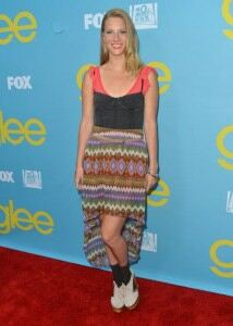 Heather Morris attempts socks and sandals outfit