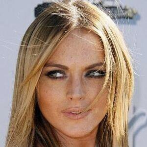Lindsay Lohan 'asks crew to strip to underwear'