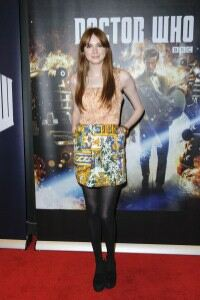 Karen Gillan parades pins in black tights