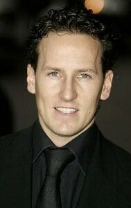 Brendan Cole halts handbag thief