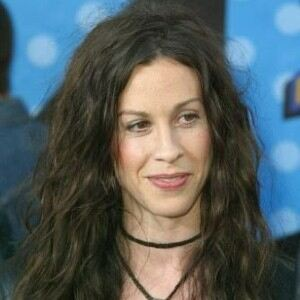 Alanis Morissette 'found fan notes in underwear'