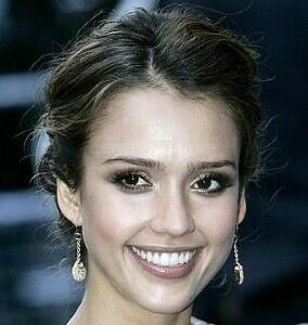 Jessica Alba heads to workout in tiger-print leggings