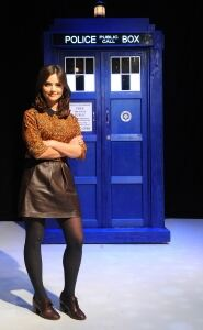 Dr Who star models black tights