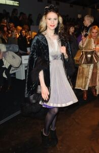 Kate Nash wows in quirky chic