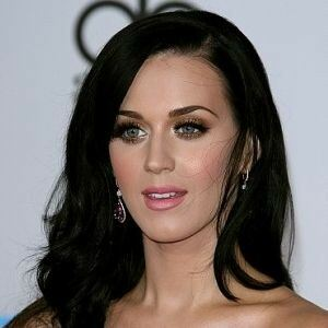 Katy Perry in stockings after airport drama