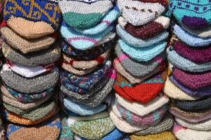 Odd socks sought for community quilt