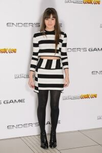 Steinfeld struts out in tights